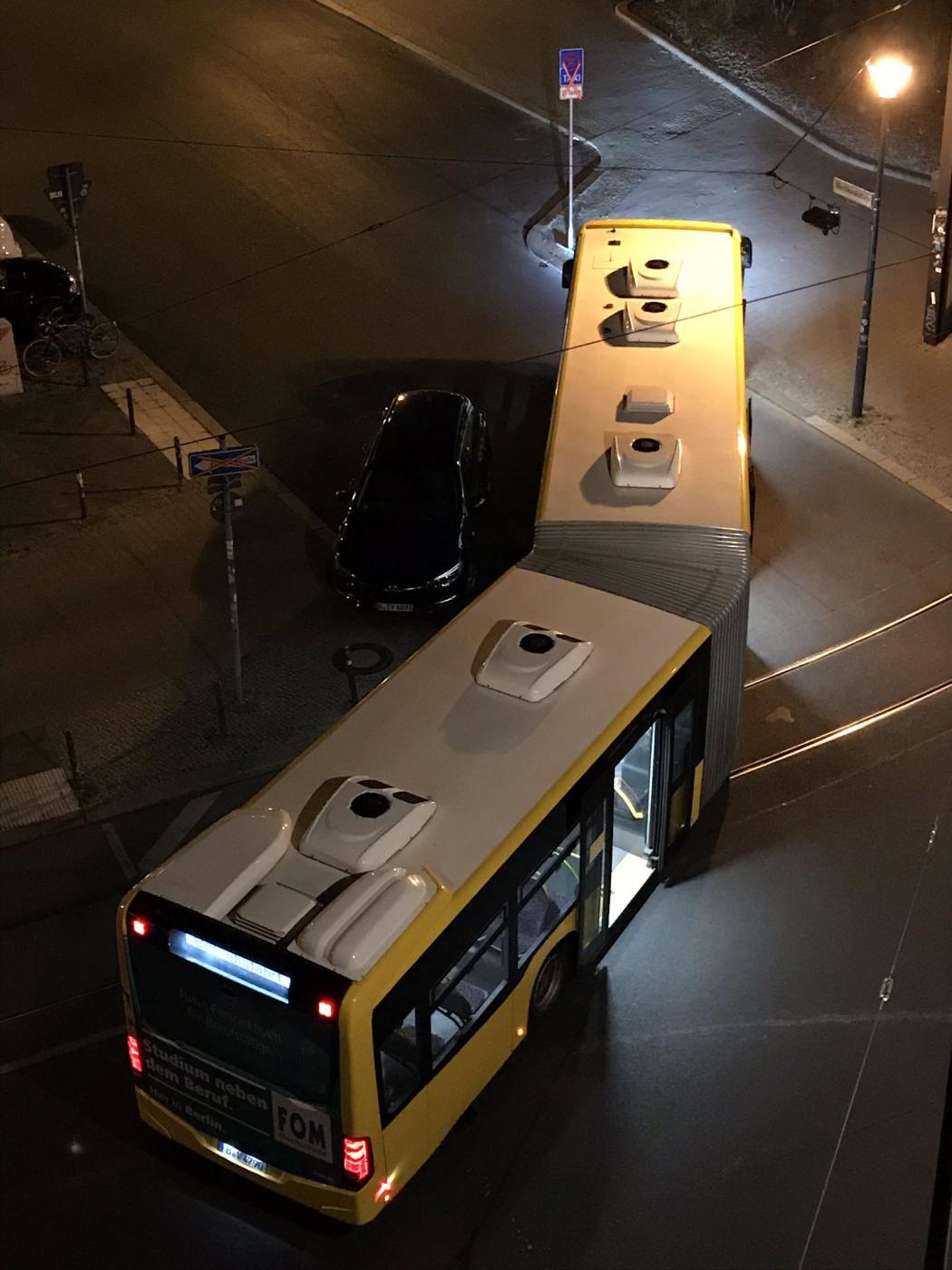 Genial parken geht anders - die BVG steckt fest...