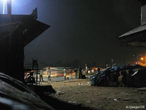 Kopfkino: Thrissur bei Nacht, Warten im Moloch