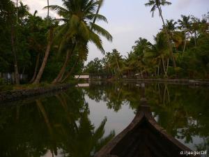 Backwaters: naechste Ausfahrt bitte links abbiegen