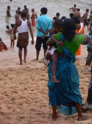 indisches Strandbegaengnis