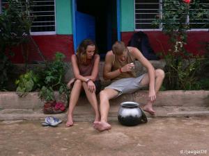 Wunden besprechen, Chai trinken und dabei sitzen, nach dem TRek ist vor dem Trek