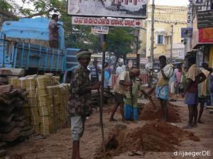 indische Baustelle mit indischen Facharbeitern