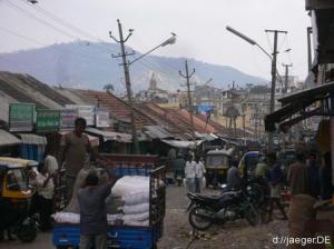 Seitensprung: Blick in eine indische Strasse