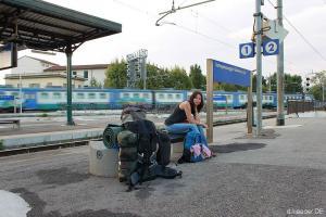 Nebenschauplatz: an Pisas Zweit-Bahnhof ist nicht viel los