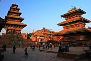 Tempelplatz mit Nyatapola Pagode