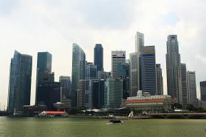 förmlich: Singapur Skyline bei Tag