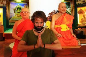 Grußgeste auf Thai: Ein Wai