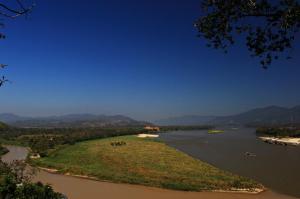 Blick von Thailand nach Myanmar (li.) und Laos (re.)