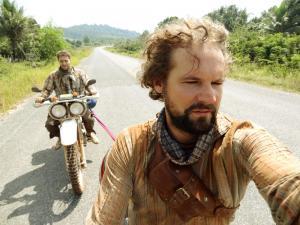 Es geht doch: sich mit Motorrädern abschleppen - aber nur für kurze Strecken